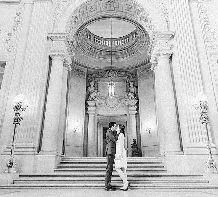 Отличного начала рабочей недели и романтичного настроения!  А для удобства пользования нашим инста-блогом по традиции еженедельный рубрикатор   #feel_wedvibes - делитесь с нами своими фотографиями и вы сможете попасть в ленту @wed_vibes   #wed_vibes_about_love - вдохновляющие цитаты о любви   #wed_vibes_playlist - романтичные композиции для Вашей свадьбы или особых случаев   #wv_превью - по этому тэгу вы можете узнать первыми что ждет вас в новом номере журнала!   #wed_vibes_highly_recommend…