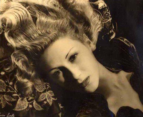 Lucien Lorelle. L'actrice Catherine Damet 1946