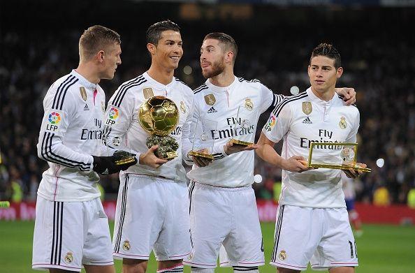 http://www.lamula.fr/top-20-des-clubs-de-football-avec-la-plus-grande-valeur-marchande-en-2015-selon-forbes/  Top 20 des clubs de football avec la plus grande valeur marchande en 2015 selon Forbes.