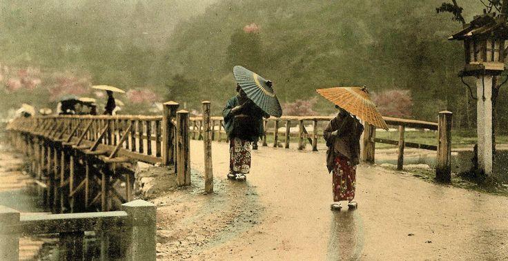 "taishou-kun: ""Tamamura Kouzaburou 玉村 康三郎 (1856 – 1923) Two women in kimono with oiled-paper umbrellas, having crossed the moon bridge at Arashiyama, Kyoto, Japan - Hand-colored - ca.1900 Source :..."