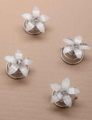 """Καρφιτσες Σβουρες Λουλουδια Μπουμπουκια Μαλλιων σε Λευκο η Ιβουαρ για Νυφη, Παρανυφακι, """"Janine"""" - www.memoirs.gr"""