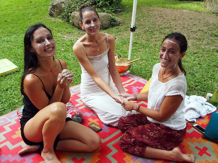 Organic homemade face scrubs and masks at the OM Cleanse retreat Byron Bay Australia