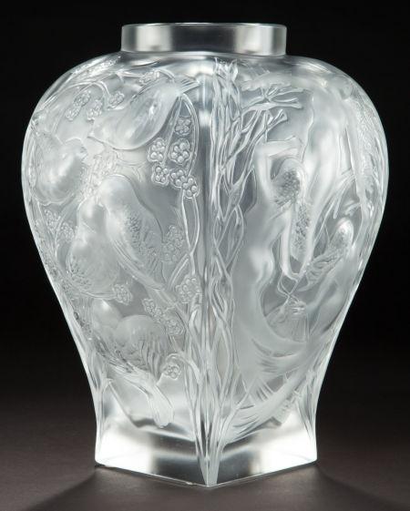 A cased lalique clear and frosted glass vase homage lalique wingen sur mode - Usine lalique wingen sur moder ...
