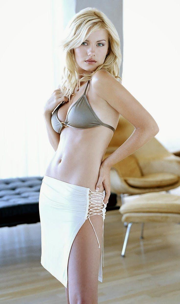 gorgeous actress elisha cuthbert - photo #20