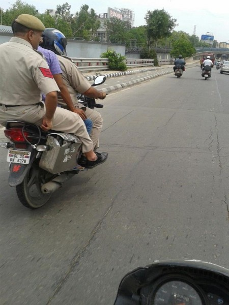 Facebook has come to the rescue to trap traffic offenders and for once this social networking site is being used for something useful rather than idle gossip. Delhi Police are hoping that using this site will be effective in instilling more law and order in the city. This practice has been followed for the past two years and since that time Delhi Police have managed to book over