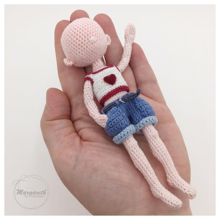 382 vind-ik-leuks, 7 reacties - Crochetdolls The Netherlands (@margareth.the.dollmaker) op Instagram: '14cm (5,5 inch)'