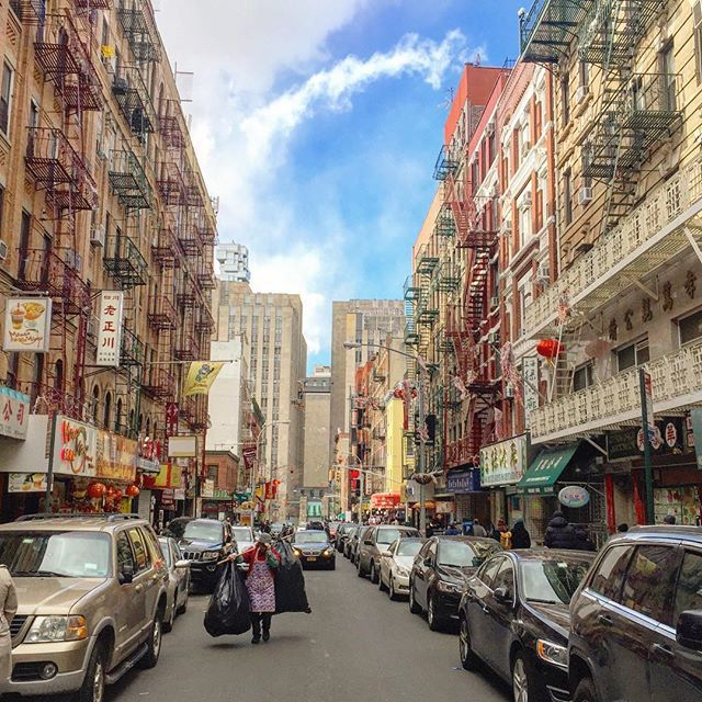 #chinatown #manhattan #nyc #newyork #usa #america #city #travel #travelgram #instatravel #traveldiaries #blog #travelblog #travelblogger #wanderlust #sikh #photography by thetravellingsingh. instatravel #blog #city #chinatown #travelblogger #traveldiaries #manhattan #nyc #travelblog #newyork #america #sikh #wanderlust #travelgram #usa #photography #travel