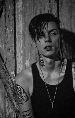 Sexy Andy biersack pic