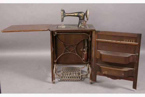 40 ANTIQUE FREE SEWING MACHINE CO OAK EGYPTIAN Antique Sewing Interesting Free Sewing Machines