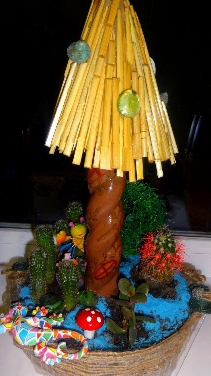 """""""морской домик для фей"""" с живыми растениями. (домик сделан из палочек из-под суши и витой емкости для холодных коктейлей) ."""