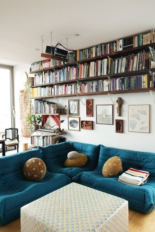 best 25 wall mounted bookshelves ideas on pinterest wall bookshelves apartment bookshelves. Black Bedroom Furniture Sets. Home Design Ideas