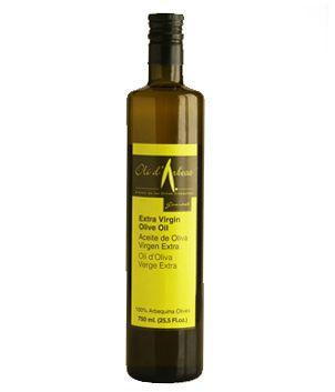 Aceite de les Garrigues, Olí d'Arbeca, 0,75 l. De tonalidad verdosa o amarillo-verdosa. Denso, cremoso. Suave, de fácil palatabilidad, fresco, sensaciones herbáceas y frutales, de tomate, manzana ácida y almendra cruda, apareciendo en el final y en retrogusto, características puntas amargas y picantes. http://www.porprincipio.com/aceites/34-aceite-de-les-garrigues.html#