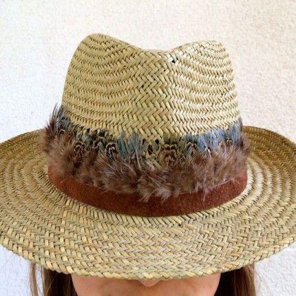 Sombrero handmade, diseñado por ONLYOU, decorado con plumas. piel.