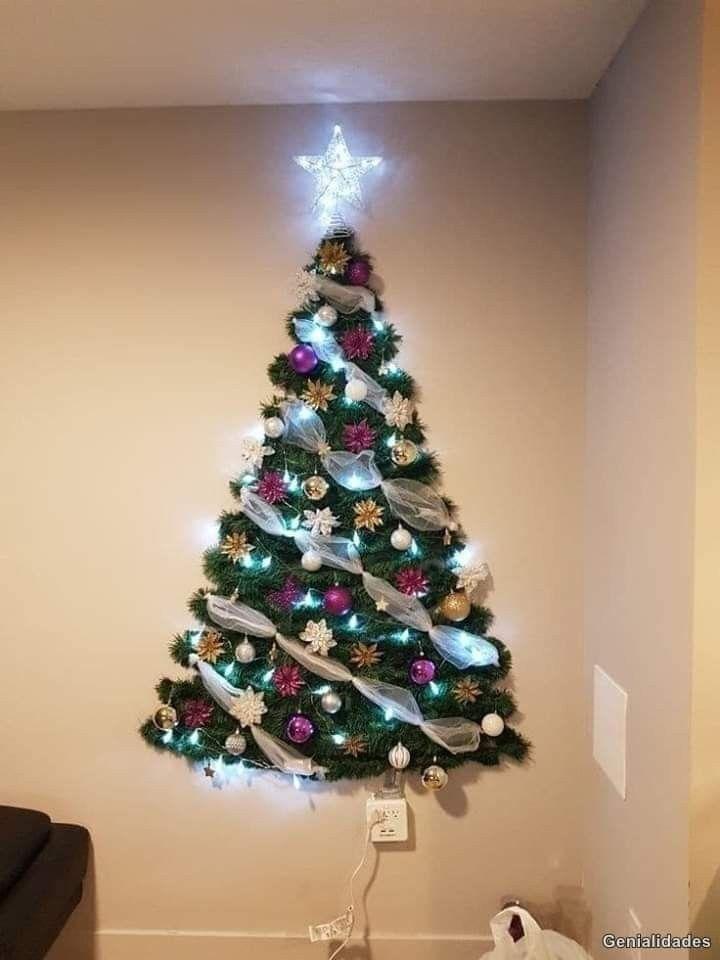 Arbol De Navidad En La Pared Con Papel