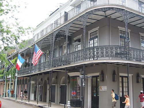 Amazing new orleans was the setting of the book with for Maison pierre modele orleans