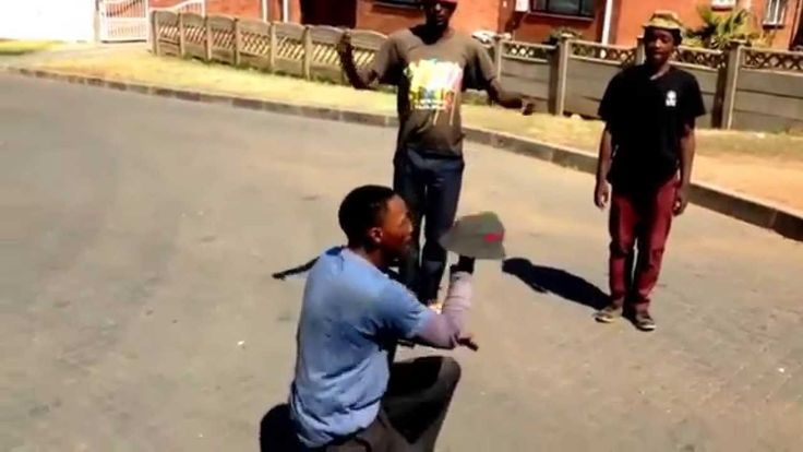 Video Funny People Dance ( African workers FREE STYLE DANCE )