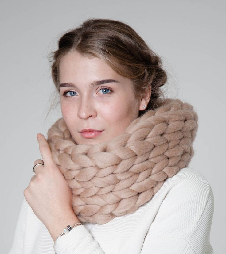Knitted chunky scarf, cowl, snood, circle scarf, neckwarmer, winter scarf, knit scarf, chunky cowl, Circle Scarf, Gift for her, Wool yarn
