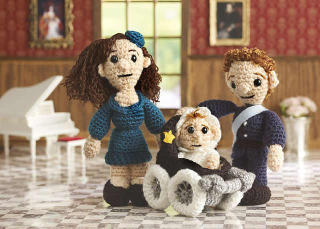 Ravelry: The Royal Family pattern by Megan KreinerRoyal Families, Royal Baby, Crochet Toys, Free Pattern, Crochet Amigurumi, Red Heart, Families Crochet, Amigurumi Pattern, Crochet Patterns
