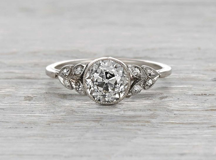 http://www.fashiontrendstoday.com/category/engagement-rings/ 1.17 Carat Edwardian Engagement Ring omg if only this had a halo around it