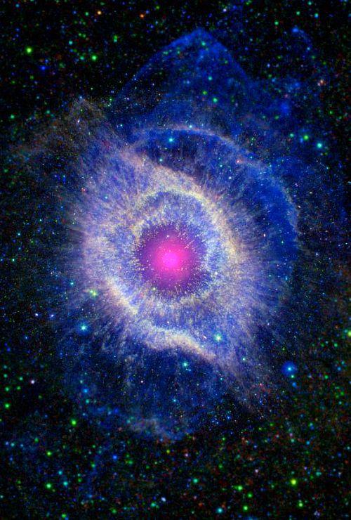 Helix Nebula-¿Acaso el ojo arrancado de Odín nos contempla desde allá arriba?