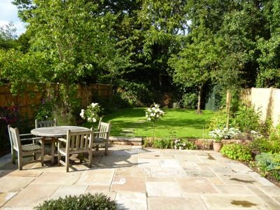 Simple And Relaxed Family Garden Design