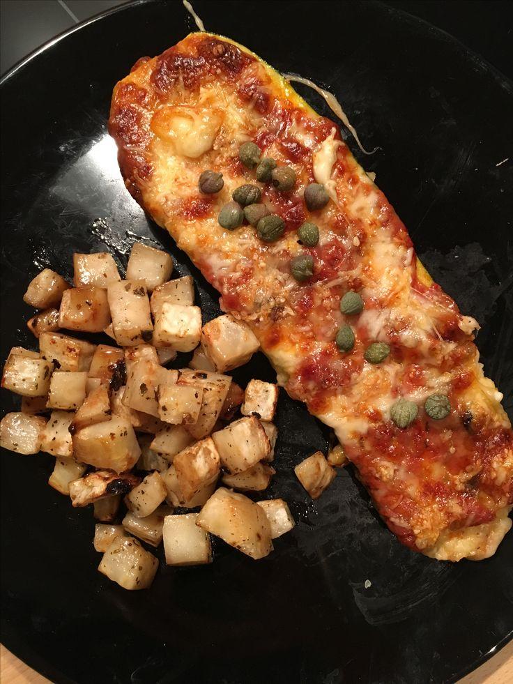 Geroosterde courgette met mozzarella, emmentaler & kappertjes, aangevuld met geroosterde knolselder