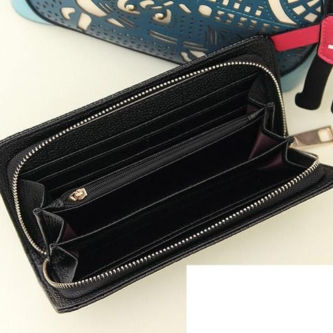 It is a exquisite purse for women,the usage of most fashionable black PU leather as well as the excellent workmanship, create more fashion feeling to this purse.It can be a purse, or it can be a clutch bag.  Details: Material : PU Leather                        Color : Black Weight : 200g L...