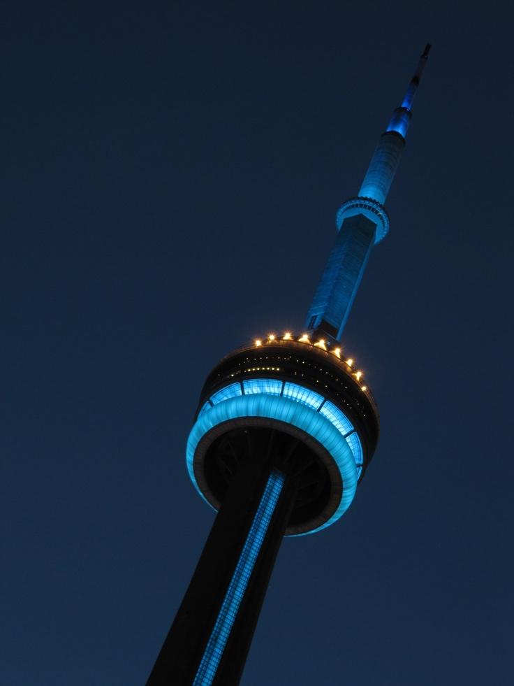 We will be showing our support for the home team by lighting Toronto Maple Leafs blue each night the Toronto Maple Leafs play a playoff game / Pour manifester notre appui de l'équipe locale, on illuminera en bleu Maple Leafs chaque soir de match éliminatoire auquel les Maple Leafs participent