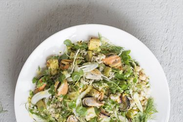 Healthy mussel and brown rice salad