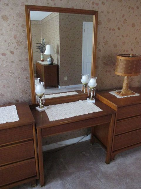 KROELER BEDROOM SET Estate sale from classy Upper Hunt Club home – 114 Topley Crescent, Ottawa ON. Sale will take place Sunday, May 10th 2015, from 8am to 2pm. Visit www.sellmystuffcanada.com to view photos of all available items!