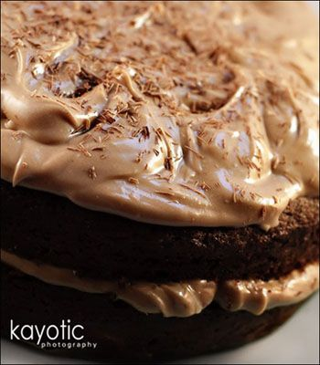 seriously! chocolate and carrots, with chocolate cream cheese frosting ~ will be trying this chocolate delight soon!!