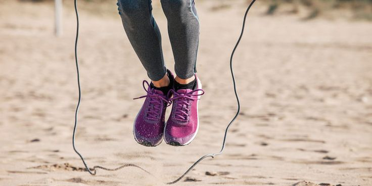 15 minute high intesity jump rope workout that'll burn more calories and give you better 6-pack results