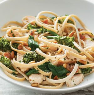 Classic carbonara is really delicious, but we couldn't leave well enough alone. Linguine Chicken Carbonara is packed with chicken, spinach and broccoli. We lightened it up too.
