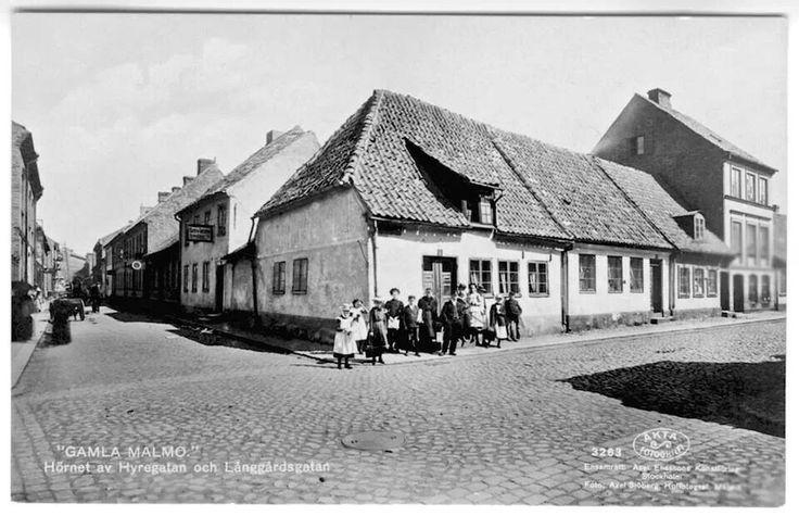 Gamla Malmö, Hyregatan - Långgårdsgatan. About 1900...