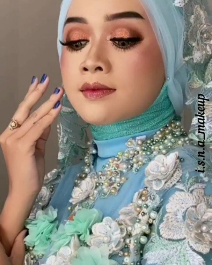 Menerima Jasa Make Up Wisuda Engagement Party Dll Makeup Makeuppemalang Makeuppurbalingga Makeupbelik Makeuprandudongkal Makeupsemarang Ma In 2020 Fashion Hijab