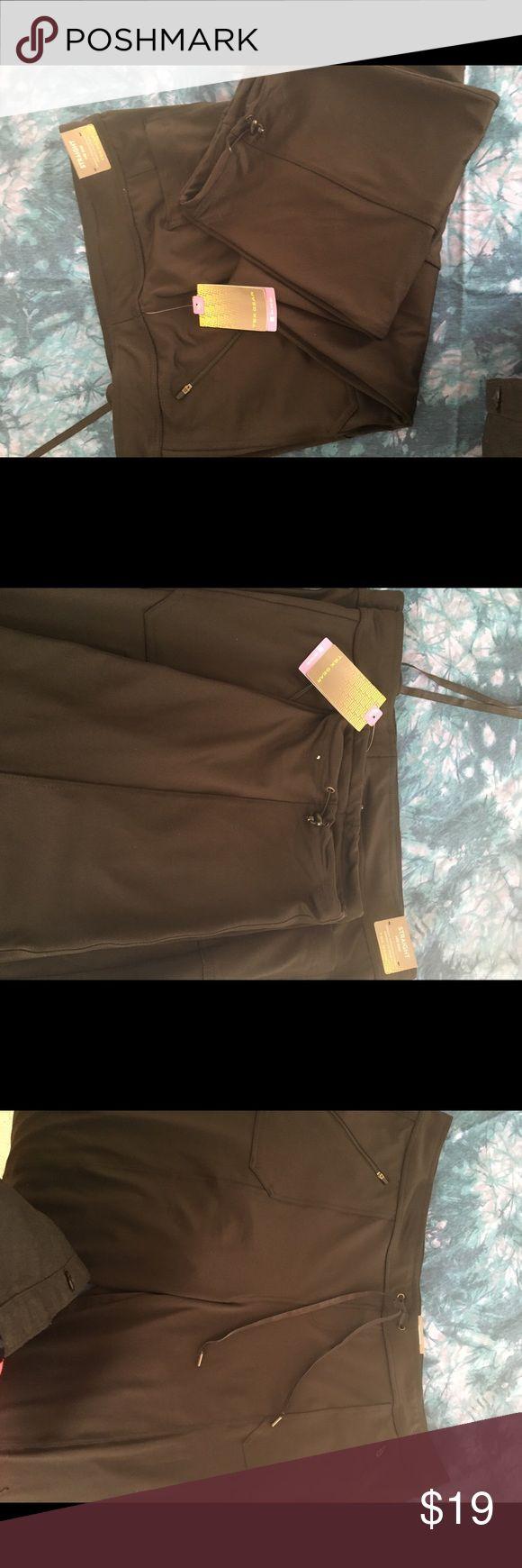 Ladies Tek Gear on the go jogging pants 2x Black 2 zipper pocket in front,2 pocket in back, tie waist,mid rise Pants Track Pants & Joggers