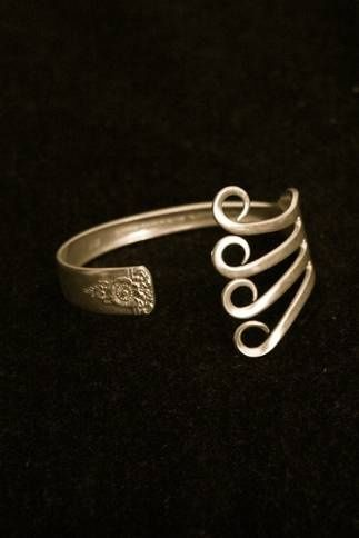 Silverware Craft Projects | recycled silverware jewelry!