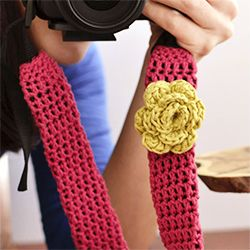 Beautify your camera and at the same time make it more comfortable with this pattern to make a crocheted camera strap cover.
