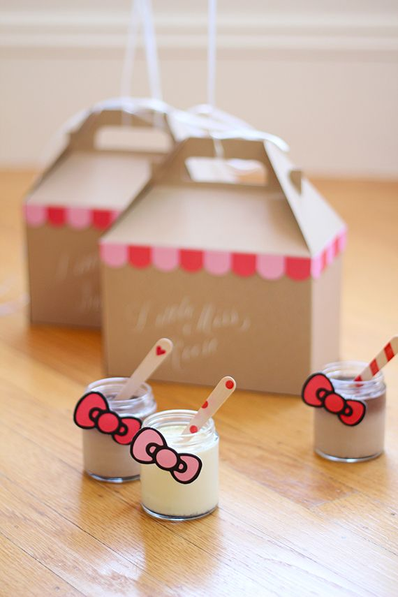 Hello Kitty 2nd Birthday Party | Gloria Wong Design | 100 Layer Cakelet
