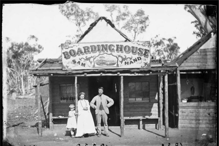 Sam Hand's Boarding House, located in the settlement of Home Rule, near Gulgong, New South Wales, 1872. Photo shared by the State Library of New South Wales.  v@e.