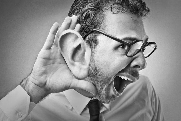 ¿Sabes cómo escuchar para que las personas expongan sus emociones? Aprende a usar la escucha activa y conecta con la gente.