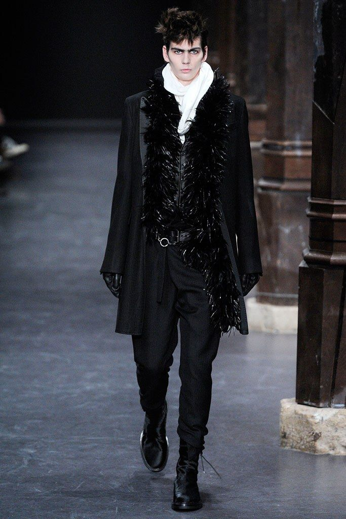 Ann Demeulemeester Fall 2010 Menswear Fashion Show