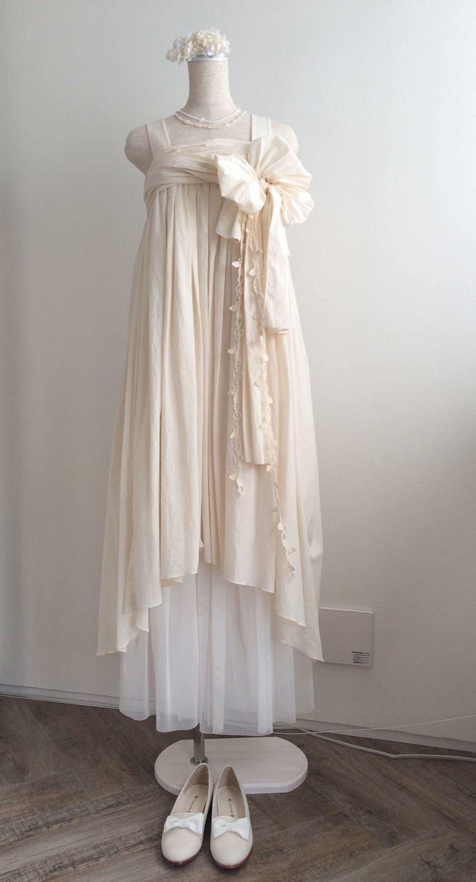 自然体な姿が魅力♡最近人気のナチュラルなおしゃれウェディングドレスに注目!にて紹介している画像