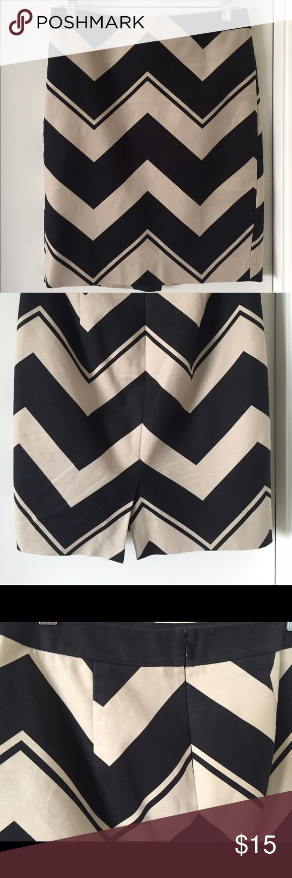 The Limited size 6 work skirt Beautiful black/tan chevron skirt, perfect for the office or just everyday! The Limited Skirts A-Line or Full