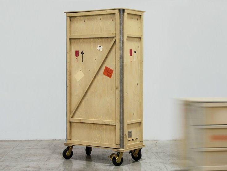 EXPORT COMÒ Armadio su ruote by Seletti design Marcantonio Raimondi Malerba