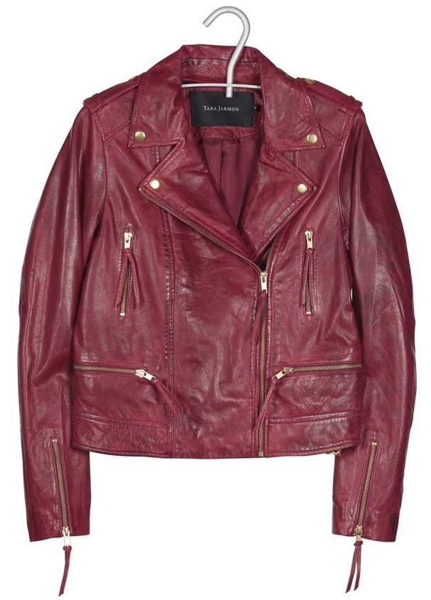 Une veste esprit bomber: veste en cuir rouge, Tara Jarmon, 600€