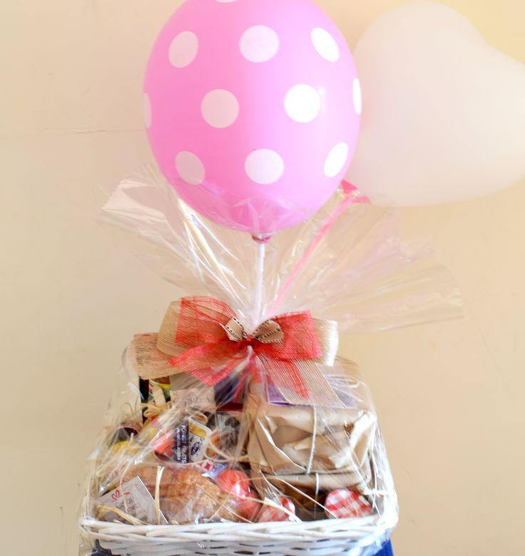...Y que cumplaas muuchos maaás...!!!! Disfruta de tu desayuno sorpresa, y vive la vida como un regalo! http://www.cestasdosamores.es