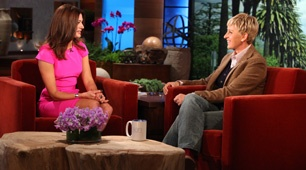 Did anyone see Kacie B's (The Bachelor) hot pink dress on The Ellen Show today??? Anyone know where it is from? So cute!