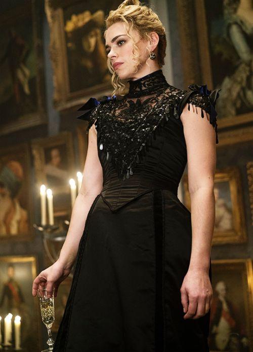 Billie Piper in 'Penny Dreadful' (2014). x