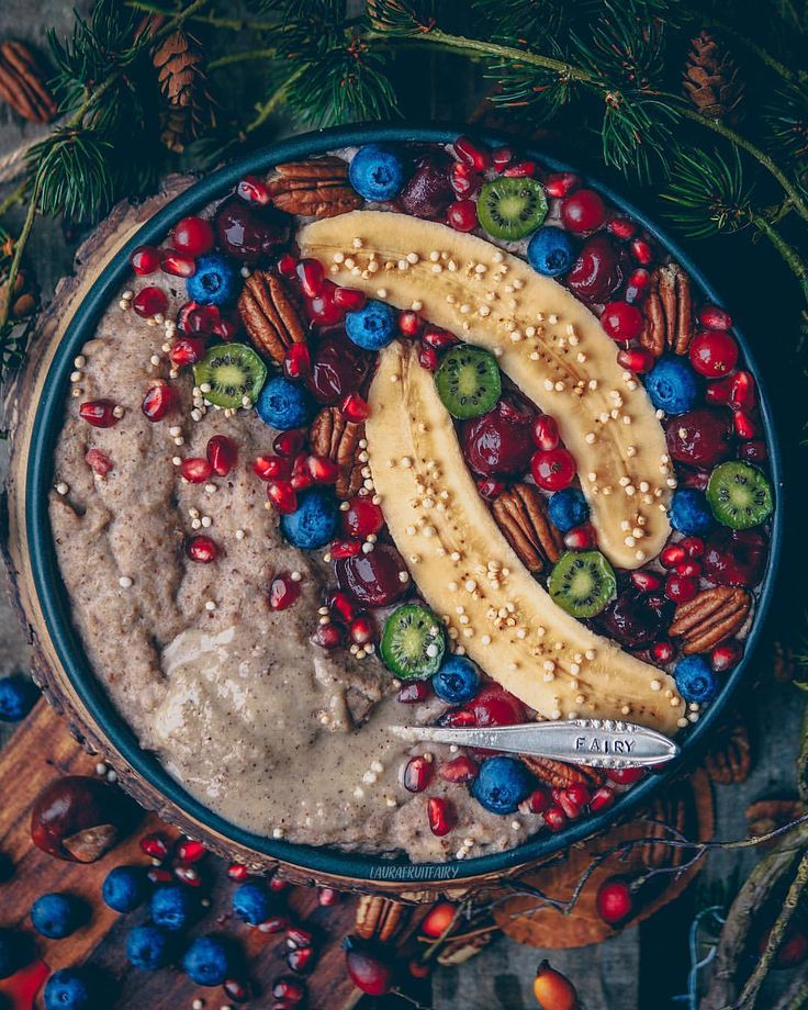 "1,970 Likes, 91 Comments - Laura  Düsseldorf  Vegan (@laurafruitfairy) on Instagram: ""Happy Monday!♥️ you can make über-creamy porridge by using buckwheat flakes from @koro_de and…"""